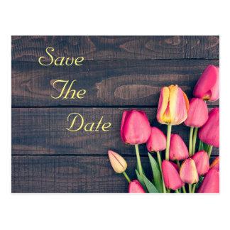 Réservez la date--Tulipes et bois roses foncés Cartes Postales