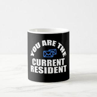 Résident de courant porteur de courrier mug