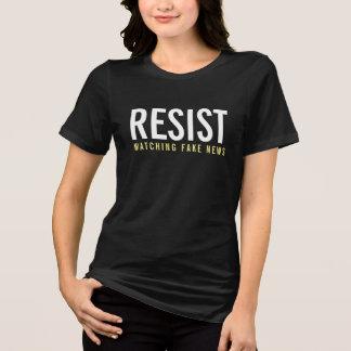 Resist observant de fausses nouvelles t-shirt