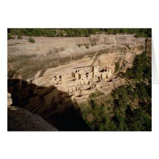 Restes des logements de falaise indiens de pueblo carte de vœux