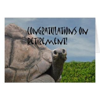 Retraite géante humoristique drôle de tortue de me carte de vœux