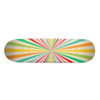 Rétro art abstrait d'arc-en-ciel planches à roulettes customisées