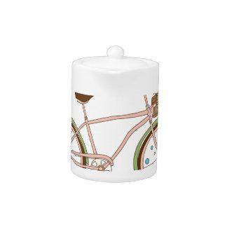 Rétro bicyclette avec karzinkoy pour des fleurs