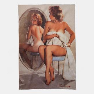 Rétro fille vintage de pin-up de Gil Elvgren Sun T Serviettes Pour Les Mains