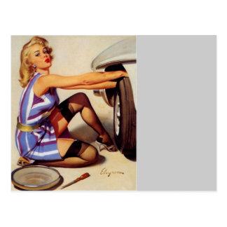 Rétro fille vintage de pin-up de mécanicien de carte postale