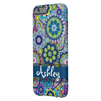 Rétro motif floral avec le nom coque barely there iPhone 6
