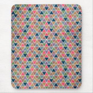 Rétro motif géométrique coloré frais de triangles tapis de souris