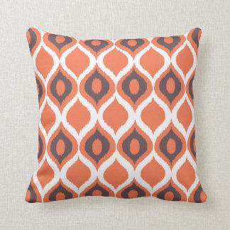 Rétro motif tribal géométrique orange d'impression coussin décoratif