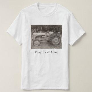 Rétro photo de tracteur gris vintage noire et t-shirt
