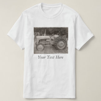 Rétro photo de tracteur gris vintage noire et t-shirts