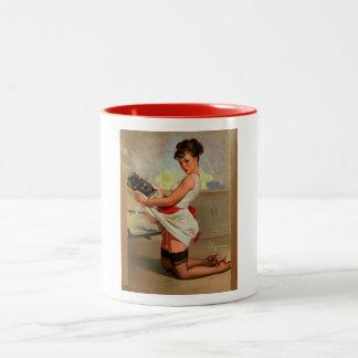 Rétro Pin vintage de Baker de Gil Elvgren vers le  Mugs