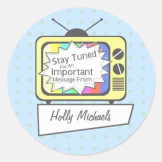 Rétro séjour accordé….Poste TV jaune Sticker Rond