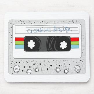 Rétro style de l'enregistreur à cassettes 80s tapis de souris