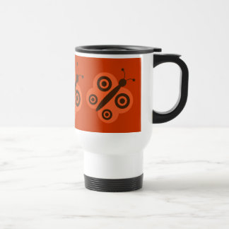Rétro tasse orange et brune de voyage de papillons