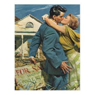 Rétros couples de carte postale se déplaçant la