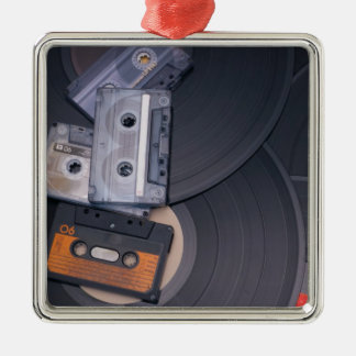 rétros enregistreurs à cassettes et disques vinyle ornement carré argenté