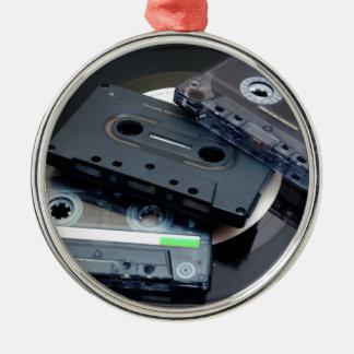 Rétros enregistreurs à cassettes ornement rond argenté