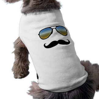 Rétros lunettes de soleil drôles avec la moustache t-shirt pour chien