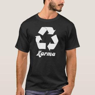 Réutilisez le T-shirt de karma