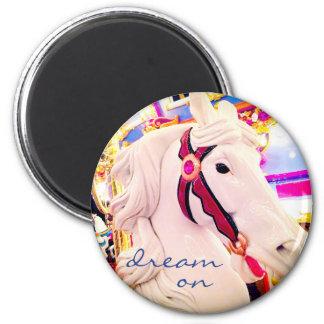 """""""Rêvez sur"""" l'aimant coloré de photo de cheval de Magnet Rond 8 Cm"""