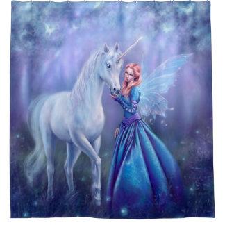 Rhiannon - licorne et rideau en douche de fée