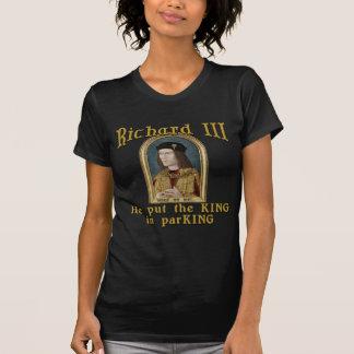 Richard III a mis le roi dans le T-shirt de