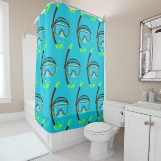 rideau en douche naviguant au schnorchel de salle
