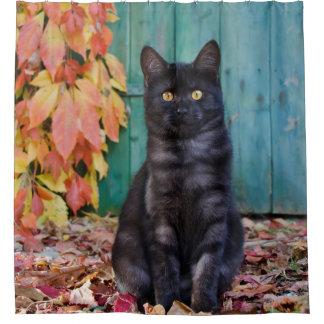 Rideaux De Douche Le rouge mignon de chaton de chat noir laisse la