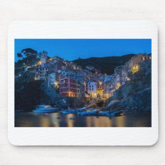Riomaggiore la nuit Cinque Terre Ligurie Italie Tapis De Souris
