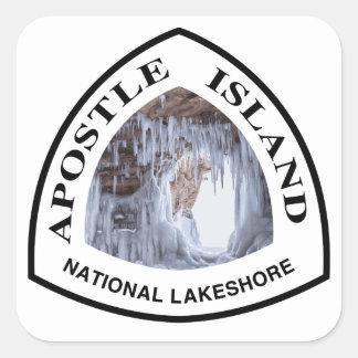 Rive d'un lac de ressortissant d'île d'apôtre sticker carré