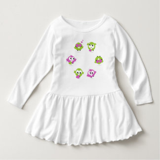 Robe de conception d'enfant en bas âge avec des