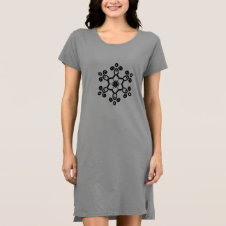 Robe grise de dames avec le mandala