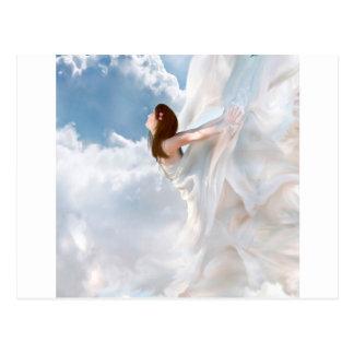 Robe nuageuse de flottement d'ange abstrait carte postale