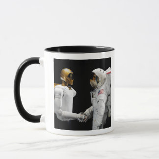 Robonaut 2, un adroit, hel 4 d'astronaute de tasses
