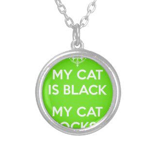 Roches de chat noir pendentif rond
