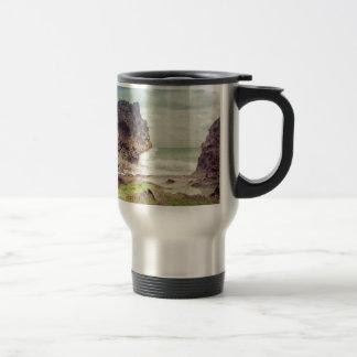 Roches sur le beach03 mug de voyage