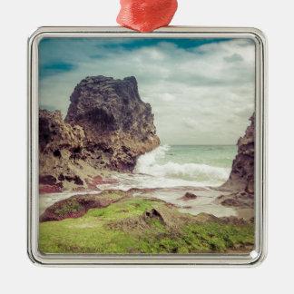 Roches sur le beach03 ornement carré argenté