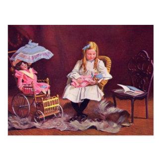 Rôle vintage d'enfant jouant la carte postale