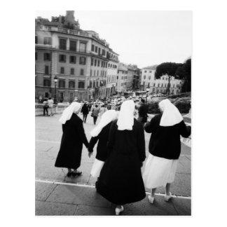 Rome Italie, patrouille de nonne ! (NR) Carte Postale