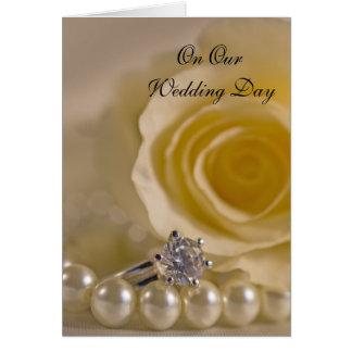 Rose blanc, anneau et perles notre jour du mariage cartes