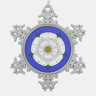 Rose blanc de York Ornement Flocon De Neige Pewter