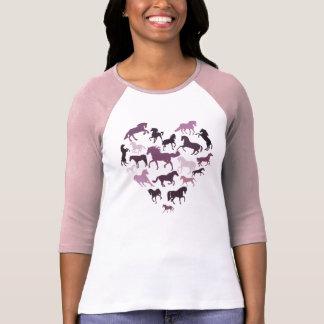 Rose de cheval et de T-shirt de coeur