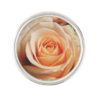 Rose romantique de rose rose épinglette
