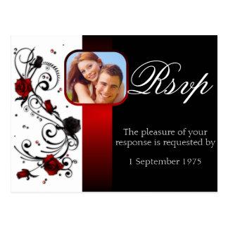 Rose rouge et noir moderne épousant RSVP Cartes Postales