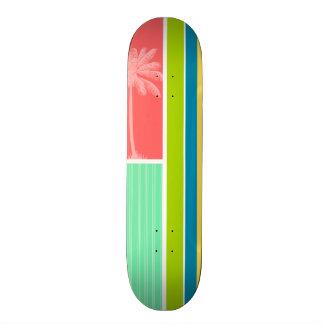 Rose saumoné et vert tropicaux de Seafoam Skateboards Customisés