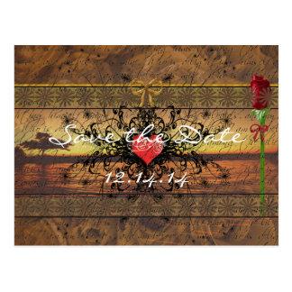 Roses anciens de sépia sous les vagues apaisantes carte postale