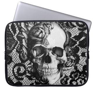 Roses et crâne noirs et blancs de dentelle housse pour ordinateur portable