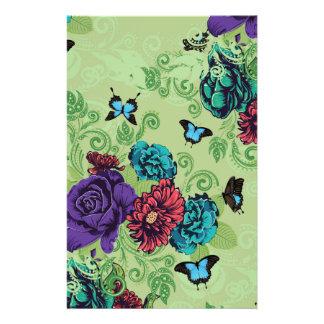 Roses et ornement de papillons motifs pour papier à lettre