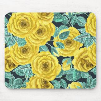 Roses jaunes d'aquarelle avec le patte de feuille tapis de souris