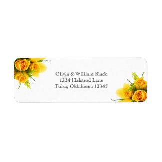 Roses jaunes sur le blanc - étiquettes de adresse